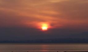 別府港の日の出
