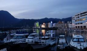夜明け前の別府港