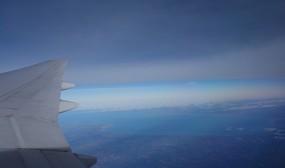帰りの飛行機では五大湖(恐らくミシガン湖?)が見えました。
