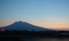 帰りの電車からの岩木山が綺麗でした。