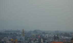NICUの見学の後、最上階からの眺めも見せていただきました。左の方に坊ちゃんスタジアムが見えます。