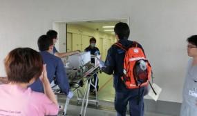 救命センターの入り口に帰ってきました。