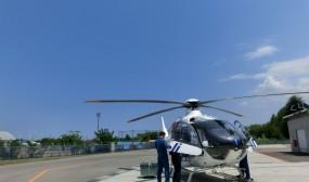 離陸の最終チェック中です。訓練開始は午前11時。良い天気で、青空が綺麗です。
